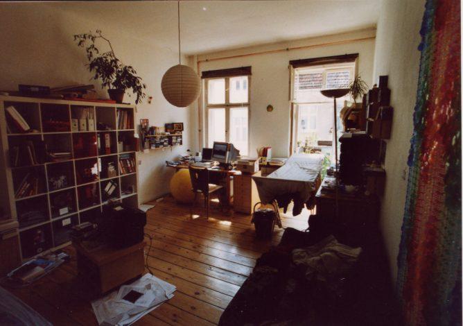 Schreibtisch in Wohnung Berlin Isländische Strasse