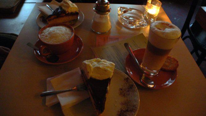 berliner betrüger Kuchen-Gedeck