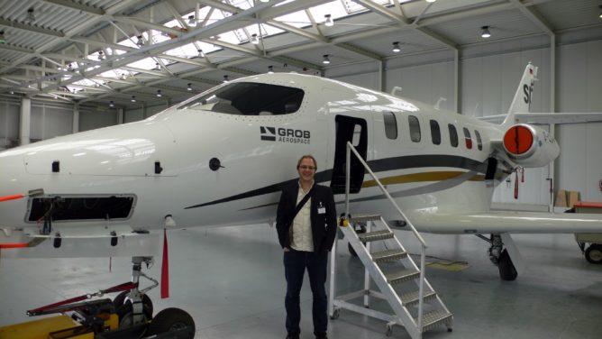 Ich bei GROB Aerospace, mit neuem spn Jet