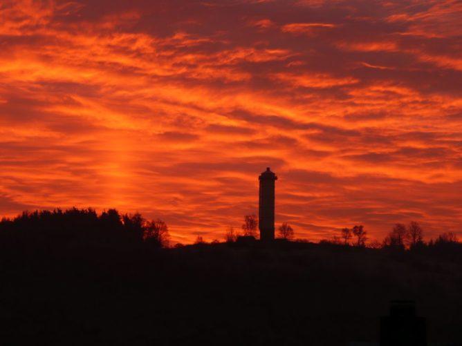 Wasserturm Merkenbach – Morgenrot