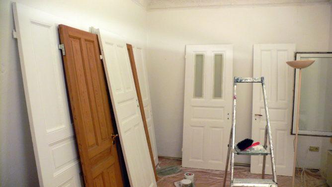 Türen neu lakieren – wie ich jetzt weiß, sind die alle unterschiedlich groß