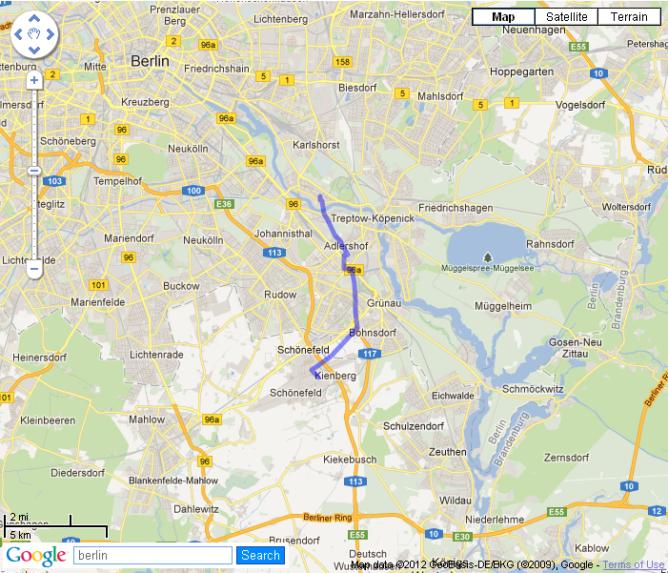 In blau der Weg von Hamburg Hauptbahnhof bis zum Flughafen, maßstabsgetreu über Berlin. Foto: Vom Flughafen in die Stadt. Quelle: mapfrappe.com/?show=5484