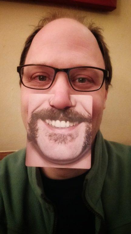 Sven Dietrich, Hamburg, Seltenes Foto. Ich mit langen Haaren. Schlimm. Aber die Karten sind lustig. Auf Facebook gibt es noch mehr davon