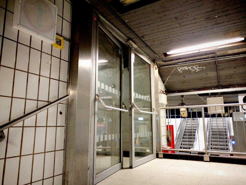 9.4.2018 Fahrräder, neue Tür am Jungfernstieg, Muskelkater, **cke, **ck, **cken,